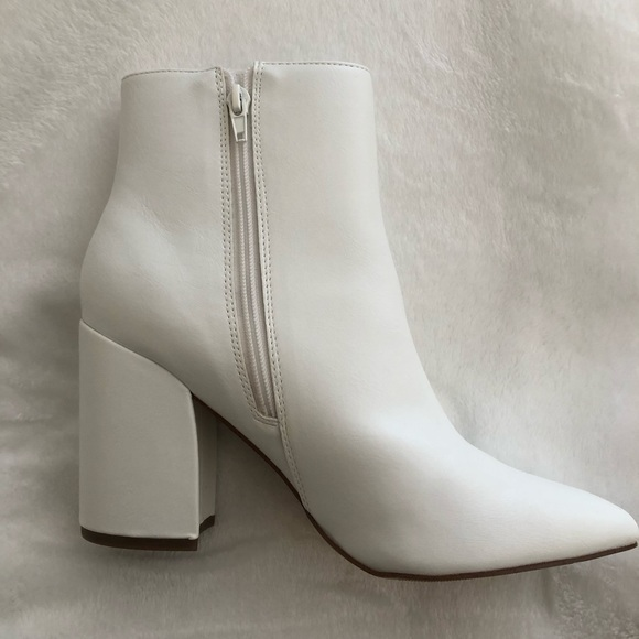 Madden Girl Meeko White Boots   Poshmark